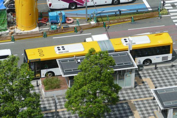 bus04.jpg